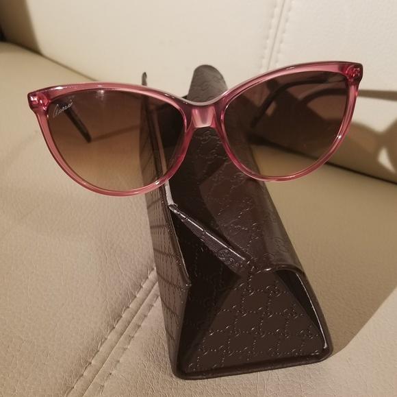 23a883f254 NWOT Gucci sunglasses hot sale 2 days